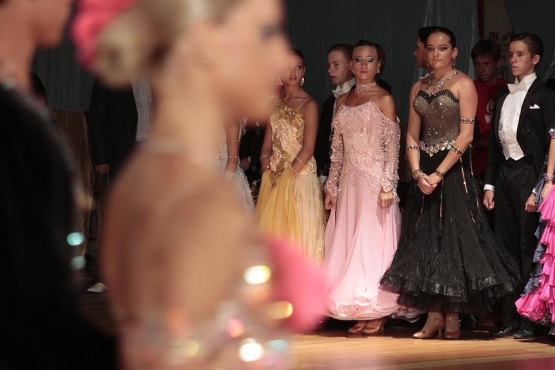Фото причесок на бальные танцы турнир