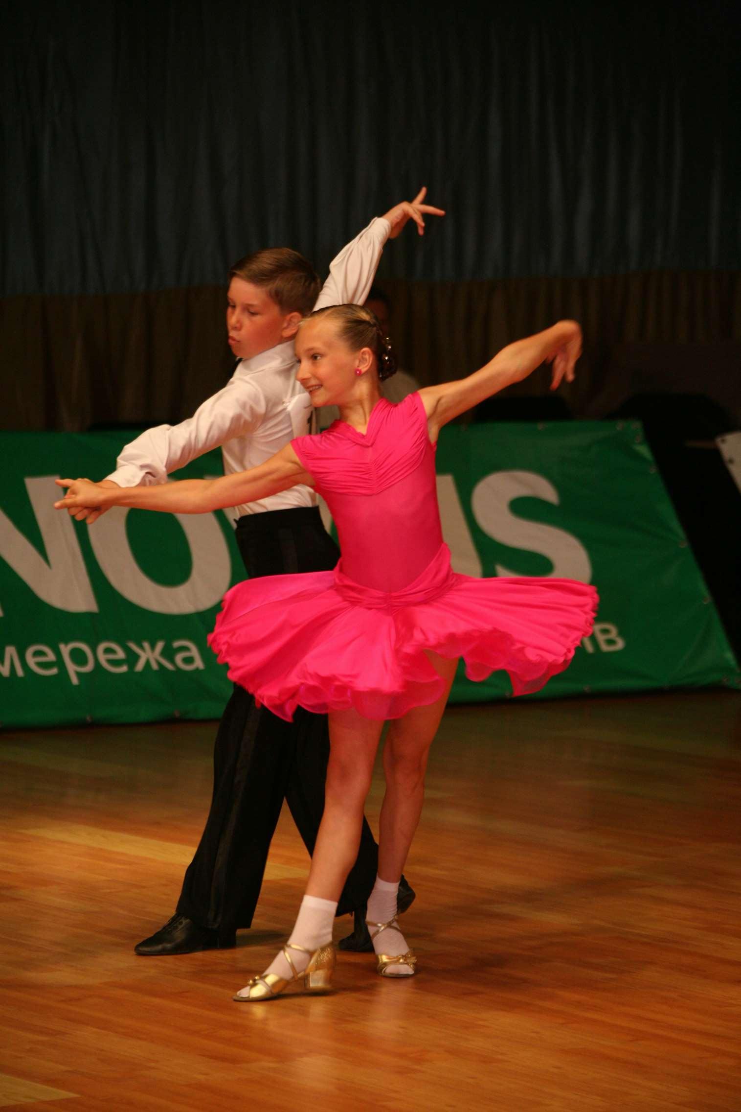 Прически бальный танец юниор